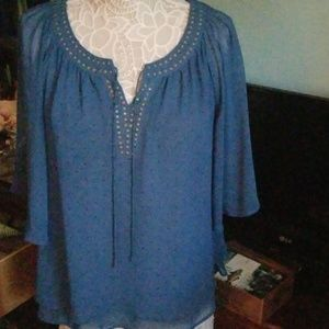 Pretty and petite blouse